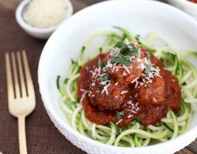 Receita: Esparguete de Curgete Com Almôndegas de Carne Magra
