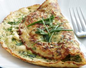 Receita: Omelete de Queijo Feta e Brócolos